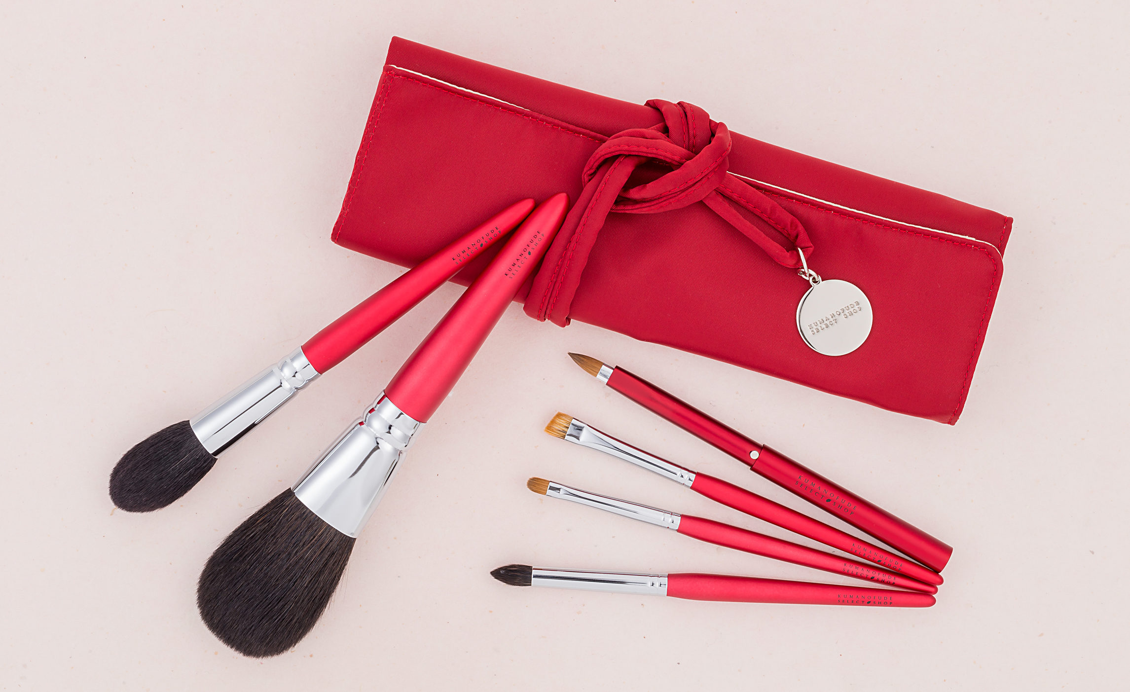 "News ... from ""gambarou Hiroshima"" Christmas fair 2018 - Kumano writing brush select shop"